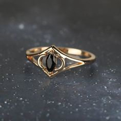 Vintage Gold Rings, Gold And Silver Rings, Vintage Jewelry, White Rings, Vintage Ring Box, Vintage Gold Engagement Rings, Black Rings, Cute Jewelry, Silver Jewelry