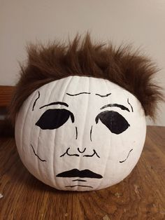 Michael Myers ~ I& gotta make this! I know is would freak me . Scary Halloween Decorations, Halloween Pumpkins, Fall Halloween, Halloween Ideas, Scary Pumpkin, Cute Pumpkin, Pumpkin Pumpkin, Pumpkin Ideas, Pumpkin Designs