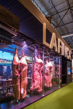 Butcher Store, Carnicerias Ideas, Meat Art, Meat Store, Retail Architecture, Supermarket Design, Meat Markets, Food Facts, Bbq Grill