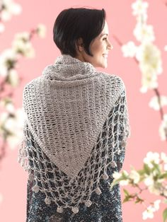 Free Pattern - Crocheted from tip up, this shawl will keep you cool in the summer and cozy in the winter. #crochet #shawl