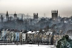 So there's nowhere better to spend Christmas. 43 Reasons Living In Oxford Ruins You For Life Oxford England, London England, Oxford College, Oxford City, Outdoor Theater, Yorkshire England, Cornwall England, Yorkshire Dales, Volunteer Abroad