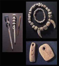 Skara Brae, Orkney - neolithic jewellery http://www.odysseyadventures.ca/articles/skarabrae/skarabrae_article.htm