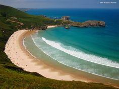 Playa de Torimbia in Asturias, Spain is a sheltered beach break that has quite consistent surf. Winter is the best time of year for surfing here. The best wind direction is from the southeast.