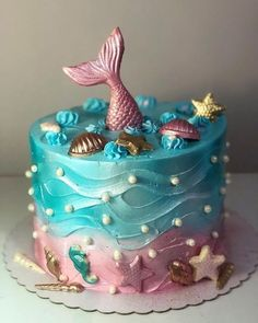 Migles, what wonderful cake is this on? Look at these chocolate details Mig . Migles, what a wonderful cake is this in? Look at these chocolate details 💗😍💜 Little Mermaid Cakes, Mermaid Birthday Cakes, Birthday Cake Girls, Mermaid Cupcakes, Brithday Cake, 9th Birthday, Pretty Cakes, Cute Cakes, Beautiful Cakes