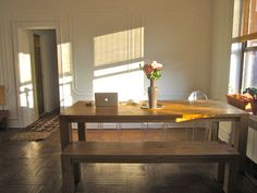 hello, dining room table with bench seating