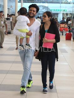 Genelia & Riteish's Little Boy Riaan is Not Afraid of The Paps! | PINKVILLA