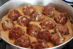 Esta receta de albóndiga con salsa de almendras tiene un sabor peculiar y distinto a otras recetas de albóndigas.