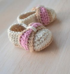 Susie J Crochet   Crochet Pattern for Baby Booties - Baby Bow Shoes - PDF Instant download  #Handmade, #MMMakers, #MMMoney