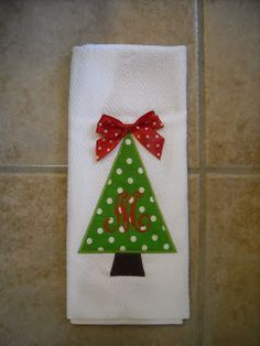 Embroidery christmas towels 34 ideas for 2019 Christmas Embroidery Patterns, Christmas Applique, Christmas Sewing, Christmas Projects, Christmas Shirts, Christmas Crafts, Christmas Ornaments, Christmas Games, Christmas Stockings