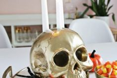 15 Creepy Gothic Candle Holder Ideas for a Scary Halloween Glitter Candle Holders, Christmas Candle Holders, Holiday Candles, Scary Halloween, Diy Christmas, Halloween Decorations, Creepy, Easy Diy, Gothic