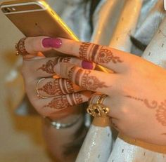 Find images and videos on We Heart It - the app to get lost in what you love. Stylish Mehndi Designs, Mehndi Designs For Girls, Mehndi Designs For Fingers, Dulhan Mehndi Designs, Mehndi Designs For Hands, Henna Tattoo Hand, Henna Tattoo Designs, Girly Dp, Finger Henna