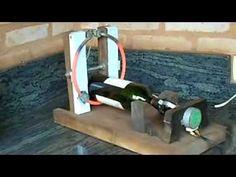 Uma forma de cortar garrafas de vidro usando materiais descartados que ninguém mais usa.