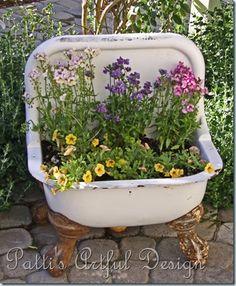 old sink. Instead of an old sink though, I remember the plants in our bathtub! Garden Junk, Garden Planters, Garden Beds, Jardin Decor, Old Sink, Dream Garden, Yard Art, Garden Projects, Amazing Gardens