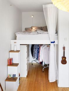 Tiny apartments, bedroom decor и small apartments. Tiny Apartments, Tiny Spaces, Studio Apartments, College Apartments, Compact Living, One Bedroom Apartment, Apartment Living, Bedroom Loft, Apartment Curtains