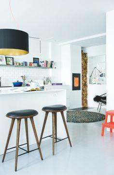 Mater High Stool by Space for Bone Bone design. Scandinavian Interior Design, Scandinavian Home, Studio Kitchen, Kitchen Design, Interior Exterior, Kitchen Interior, High Stool, Kitchen Stools, Kitchen Wood