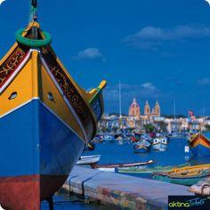 ♦♦Eυρωπαϊκή χώρα με πλούσια ιστορία,πολιτισμό,αρχιτεκτονική.Το αρχιπέλαγος των ιπποτών!!Η Μάλτα με τα γραφικά σοκάκια,το κράμα από κουλτούρες και το φυσικό κάλλος.Η πρωτεύουσα Βαλέτα,η 1η ευρωπαϊκή πόλη που χτίστηκε κατόπιν σχεδίου τον 16ο αιώνα, παραμένει από τις πιο όμορφες πόλεις και αποτελεί Μνημείο Παγκόσμιας Πολιτιστικής Κληρονομιάς της UNESCO.