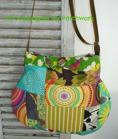Sac à main patchwork forme boule « été et automne » avec bandoulière doré. : Sacs bandoulière par lacompagniedupatchwork
