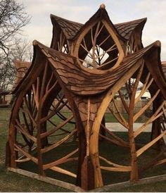 Architecture ~ She Was Impressed When A Friend Said He Was Building A Gazebo And in Total Awe When it Was Finished - Not a cabin but great design. With some re-design could easily be a cabin. Gazebos, She Sheds, Garden Cottage, Garden Structures, Garden Paths, Earthship, Dream Garden, Play Houses, Architecture Design