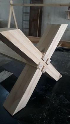 Table frame without nails - Home Decor Hooks Woodworking Shop Layout, Woodworking Furniture Plans, Woodworking Joints, Woodworking Projects Diy, Woodworking Wood, Woodworking Techniques, Woodworking Ideas Table, Woodworking Beginner, Welding Projects
