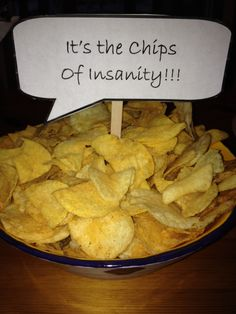 "Vizzini: ""Look, see? The Chips of Insanity!"" Princess Bride dinner party idea Vizzini: ""Look, see? The Chips of Insanity! Princess Bride Wedding, Princess Bridal Showers, Princess Party, Princess Games, Disney Princess, Bride Party Ideas, Movie Night Party, Movie Nights, Geek Party"