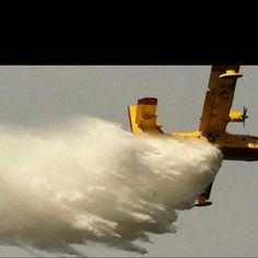 Avion de la SOPFEU durant un feu de forêt dans mon coin le jour de Pâques...