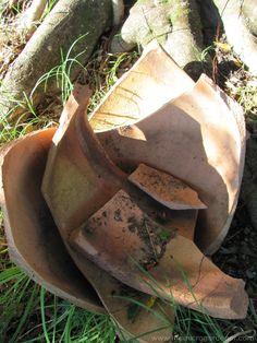 DIY Upcycled Broken Pot Ideas -