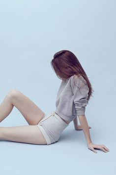 Read from the story Fotos para tus portadas by Namaide with reads. Shooting Studio, Looks Street Style, Foto Pose, Grunge Style, Mode Style, Pose Reference, Ulzzang Girl, Perfect Body, Asian Fashion
