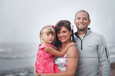 Article on photographing families {read: tips on handling kids at a photoshoot!}