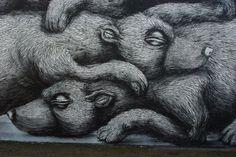 amazing graffiti by ROA near brick lane london. #streetart #graffiti #art