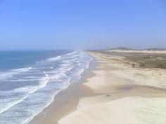 Torres Beach, Rio Grande do Sul.... Há imagens belissimas de Torres da Guarita por exemplo,para representar a Cidade,mas....Sorry,