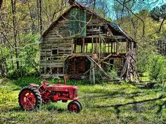 Old tractor and very old barn Abandoned Houses, Abandoned Places, Old Houses, Farm Houses, Farm Barn, Old Farm, Country Barns, Country Life, Country Living