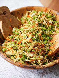 Crunchy Asian Edamame Slaw With Baked Tofu — Registered Dietitian Columbia SC - Rachael Hartley Nutrition Asian Coleslaw, Asian Slaw, Asian Broccoli Slaw, Vegetarian Recipes, Cooking Recipes, Healthy Recipes, Batch Cooking, Vegetarian Kids, Kid Recipes