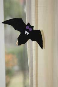 Haloween Bat Craft For Kids Make This With Your Group Or Daycare Then Hang Finished Crafts Around The House A