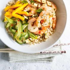 Ricardo& recipe: Grilled Shrimp and Tofu Rice Bowls Seafood Recipes, Cooking Recipes, Healthy Recipes, Ricardo Recipe, Shrimp And Rice, One Pot Dishes, Main Dishes, Weekday Meals, Grilled Shrimp