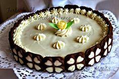 Tarta de obleas con crema de avellanas y chocolate blanco