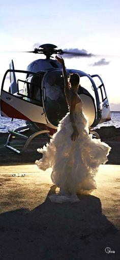 wedding ideas :) Pide tu presupuesto para tu evento a / wedding planners & bussines event planners glamour High Society, Glamour, Badass, Wedding Transportation, Fashion Photography, Wedding Photography, Luxe Life, Foto Art, Ansel Adams