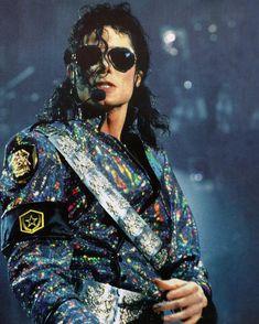 Michael Jackson Story, Michael Jackson Dangerous, Janet Jackson, Mj Dangerous, King Of Music, Oprah, American Singers, Billie Eilish, Peter Pan