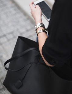 #deskinspo #minimalistic #blackbag #theeverygirl