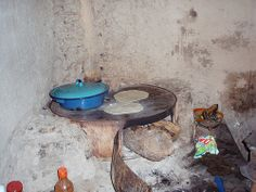 Making tortillas - Haciendo las tortillas; Ameca, Zacatecas, Mexico