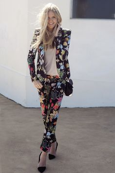 Love this whole look, especially the trousers + zara heels!