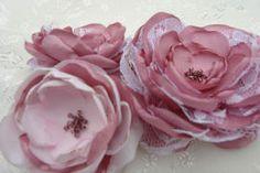 Bridal headpiece www.etsy.com/listing/155357439/stunning-vintage-inspired-headband?ref=shop_home_active