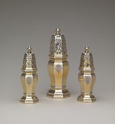1714-15. Set of three casters