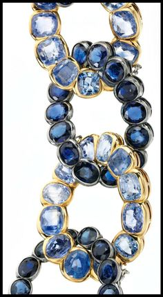 Detail: Vintage Cartier sapphire bracelet previously owned by Wallis Simpson, Duchess of Windsor. Set in gold and featuring an alternating pattern of dark and light blue sapphires. Circa 1945. Via Diamonds in the Library.