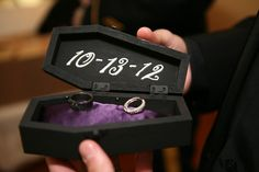 gothic jewelry box diy DIY Ring Box Coffin - Let's talk about the fashion going on here: black lace, Doc Martens, brocade tail coat, leather harness, and spiked Jeffrey Campbells — it's a gothic wonderland of noir chic. Gothic Wedding Rings, Gothic Engagement Ring, Skull Wedding, Wedding Rings Rose Gold, Gold Wedding, Gothic Wedding Ideas, Halloween Wedding Decorations, Zombie Wedding, Medieval Wedding