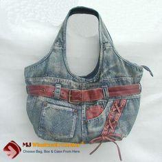Healthy Addiction: sooooo many thoughts in bags to recycle jean Denim Handbags, Fashion Handbags, Jean Purses, Purses And Bags, Denim Purse, Denim Jeans, Boho Bags, Recycled Denim, Fabric Bags