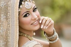 67 Ideas Pakistani Bridal Makeup Gold Wedding Bride For 2019 Asian Wedding Makeup, Bridal Makeup Tips, Pakistani Bridal Makeup, Wedding Beauty, Indian Bridal, Bridal Mehndi, Bride Makeup, Bridal Beauty, Wedding Looks
