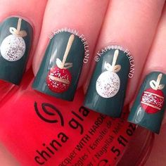 Christmas ornaments manicure