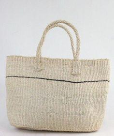 Add a little confetti to each day°. Fashion Bags, Fashion Accessories, Women's Fashion, Basket Bag, Summer Bags, Minimalist Fashion, Straw Bag, Reusable Tote Bags, Purses