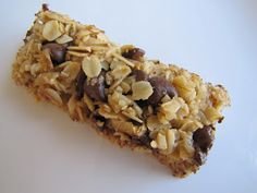 Adventures in Food: Chewy Chocolate Chip Granola Bars