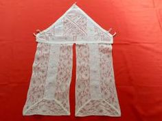 Petit rideau de tabernacle brodé et dentelle 12572